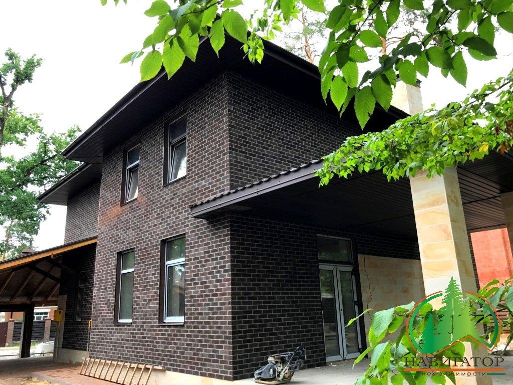 Добротный дом 200 кв.м., 10 соток, навес под АВТО